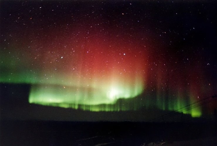 red_and_green_aurora